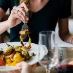 矯正中の外食。4つのおすすめメニューと避けたほうが良い食べ物まとめ
